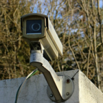 監視カメラで不審者特定。あなたのプライバシーは大丈夫?